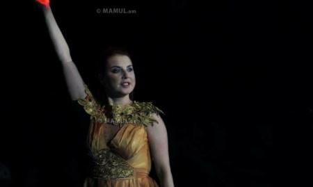 В Ереване состоялась мировая премьера феерического ледового шоу «АхТамар» с фантастическим составом.